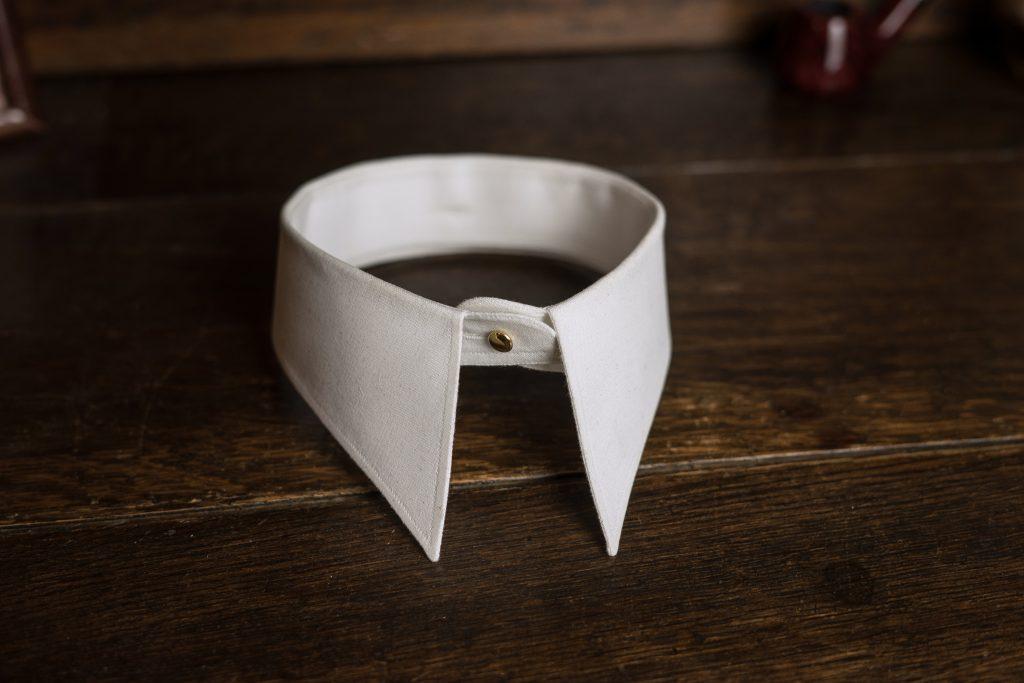 Separater, anknöpfbarer Kragen (Spearpoint Collar)
