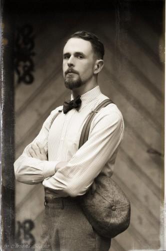 """<a href=""""http://vintagebursche.de/der-zeitungsjunge-20er-jahre-outfit-2/"""">Der Zeitungsjunge</a>"""